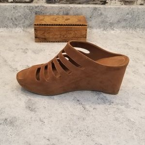 Johnston & Murphy Shoes - Johnston and Murphy soft brown wedges